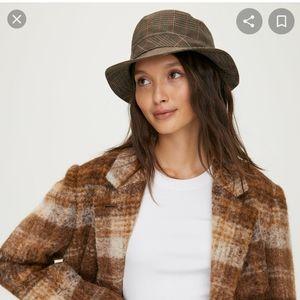 Aritzia auxiliary bucket hat